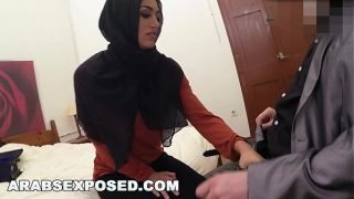 Sexy Arab Wife Getting Face Fucked