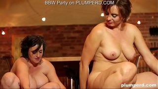 Mature fat ladies riding the cleaning boy's dick