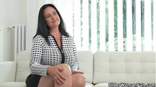 Well rounded brunette milf Ria Black fingers her fat pussy