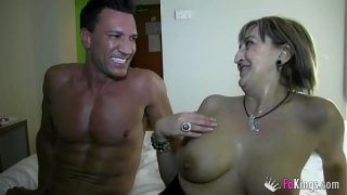 Amateur mature Maria gets fucked by Mr Marco Banderas in her hotel room