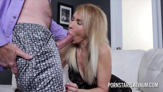 Blonde Mom Erica Lauren gets treated to a hard fat dick