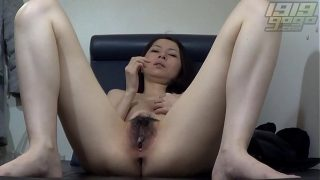 Horny Asian MILF Spreads her Wet Pussy
