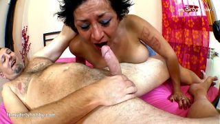 Spanish mature mom gets penetrated hard